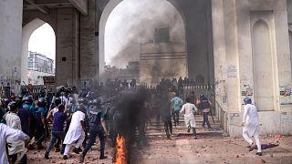 مظاهرات ضد زيارة مودي إلى بنغلادش