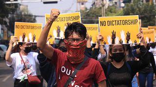 Myanmar'da darbe karşıtı protestolarda ölenlerin sayısı 320'ye çıktı