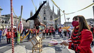 Cirkuszművészek tartottak színes demonstrációt Rómában