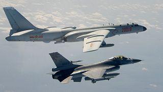 پرواز جنگنده چینی در آسمان تایوان