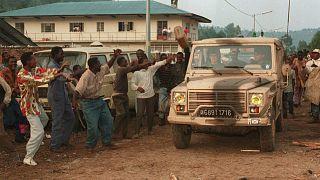 ورود ارتش فرانسه به یکی از روستاهای رواندا پس از نسلکشی