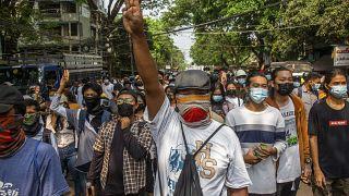 """""""Остановить насилие  против азиатов!"""""""