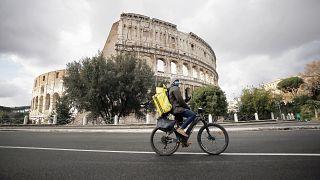 Condutores de entregas manifestam-se em Itália