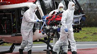 Intenzív ápolásra szoruló beteget szállítanak helikopterrel egy rostocki kórházba