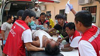 علاج أحد المصابين في مظاهرة في ميانمار