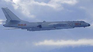 Kínai H6 bombázó