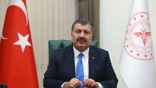 Sağlık Bakanı Fahrettin Koca, Covid-19 aşı programında 60 yaş üzeri ve bazı risk gruplarına geçildiğini duyurdu.