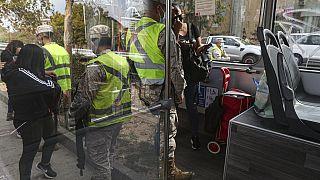 Soldados controlan el cumplimiento de las medidas