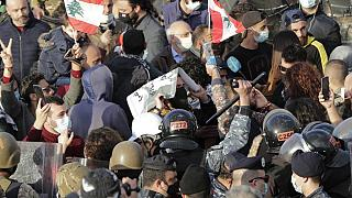 Protests in Beirut amid political stalemate and economic crisis