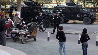 Doğu Türkistan'ın Kaşgar kentinde devriye gezen Çin güvenlik güçleri (arşiv)