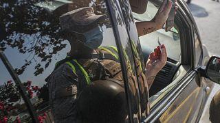 Controles policiales de las restricciones de movilidad en Santiago de Chile