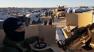 Les forces démocratiques syriennes ratissent le camp de déplacés d'Al-Hol après 40 meurtres