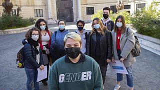 Roma'daki Ripetta Sanat Okulu öğrencileri: Cinsiyet değiştirme sürecindeki Matteo Coccimiglio (ön planda)