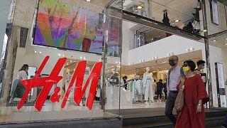 Hong Kong'da H&M mağazası