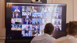 Εικόνα από τη σημερινή συνεδρίαση του υπουργικού συμβουλίου