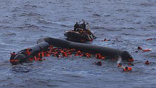 Nove migrantes mortos no Mediterrâneo