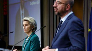رئيس المجلس الأوروبي شارل ميشيل ورئيسة المفوضية الأوروبية أورسولا فون دير لاين