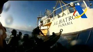 Un detalle de la captura de la embarcación que transportaba el alijo de droga