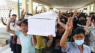 Myanmar: Darbe karşıtı gösterilerde ölenlerin sayısı 500'ü geçti
