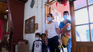 Familias de migrantes con menores de 7 años en la frontera con Estados Unidos