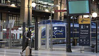 Поезд Eurostar на вокзале в Париже
