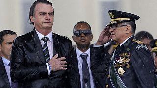 Le président brésilien Jair Bolosnaro et le commandant de l'armée de terre Edson Pujol, 17 avril 2019