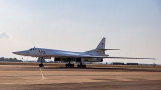 Eine russische Maschine der Bauart Tu-160 Blackjack