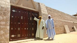 "Mali receives a ""symbolic euro"" in token reparation for damage on Timbuktu heritage"