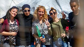 Des Françaises, suspectées d'être des épouses de djihadistes, retenues dans un camp kurde en Syrie