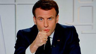 اعترف الرئيس الفرنسي ماكرون بارتكاب أخطاء خلال إدارته الأزمة