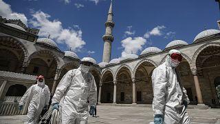 في جامع السليمانية (مسجد سليمان القانوني) في إسطنبول