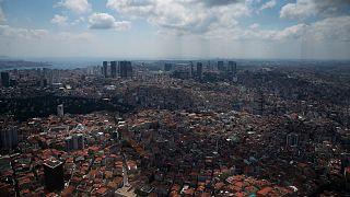 Türkiye ekonomisine ilişkin 2021 yılı büyüme tahminini de yüzde 4,5'ten yüzde 5'e çıkarıldı