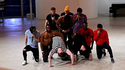 New York's Guggenheim Museum hosts pop-up hip hop performance