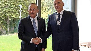 Ο Έλληνας ΥΠΕΞ Νίκος Δένδιας με τον τούρκο ομόλογο του Μελβούτ Τσαβούσογλου