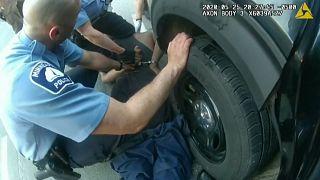 Imagen recogida por la cámara de un policía