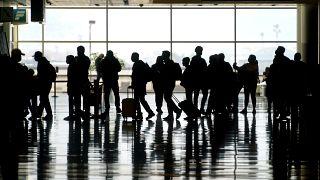 ΕΕ: Επαναφορά περιορισμών σε μη αναγκαία ταξίδια από ΗΠΑ - Ισραήλ