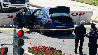 خودرویی که رانندهاش روز جمعه به سوی ساختمان کنگره آمریکا راند