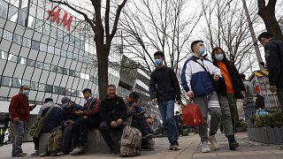 Çin hükümeti, İsveç merkezli perakende giyim firması H&M'den internet sayfasındaki 'sorunlu harita'yı değiştirmesini talep etti.