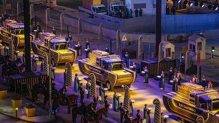 Mısır'ın başkenti Kahire'de 22 mumya kortejle taşındı