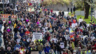 Querdenker protestieren in Stuttgart am 03.04.2021