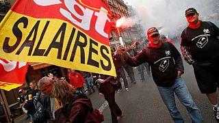 اعتراض کارگران فرانسوی به پایین بودن سطح دستمزد