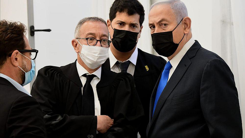 Tanúvallomásokkal foytatódik Netanjahu büntető pere