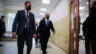 İsrail Başbakanı Netanyahu dava salonuna girerken