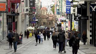 إعادة فتح المحلات التجارية في اليونان رغم ارتفاع عدد الإصابات بكوفيد-19