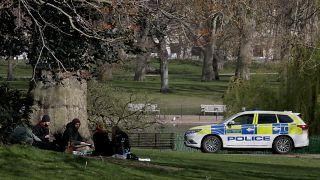A londoni parkokba is hamarabb visszatérhet az élet, remélik a tömeges teszteléstől