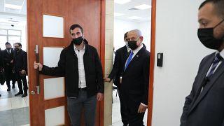 """Israël : Netanyahou accusé d'usage """"illégitime"""" du pouvoir à la reprise de son procès"""