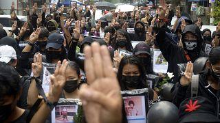Güvenlik güçlerinin silahlı müdahalelerinde 570 gösterici hayatını kaybetti
