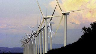 Elektrik üreten rüzgar türbinleri