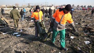 İran'da düşürülen Ukrayna uçağının enkazı