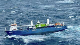 Das besatzungslose Frachtschiff treibt im Nordmeer umher, 05.04.2021